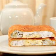 Пирог с курица, картофель, лук (слоеный) Фото