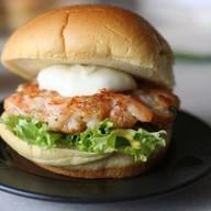 Бургер с креветками Фото