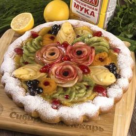 Пирог с фруктами и ягодами - Фото