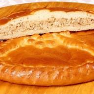 Пирог с курицей, картофелем и луком Фото