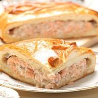 Пирог с сёмгой и луком Фото