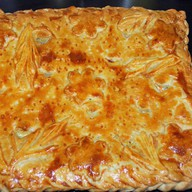 Пирог с курицей,грибами,сыром и луком Фото