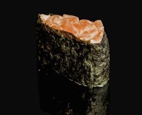 Гункан острый лосось - Фото