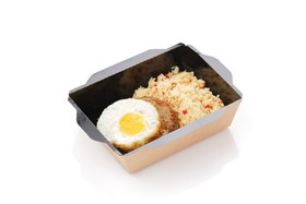 Бифштекс с яйцом и кускусом - Фото