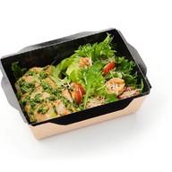 Салат овощной с куриной грудкой Фото