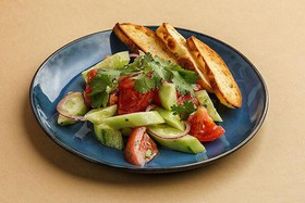Овощной салат по-грузински с маслом - Фото