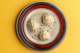 Хинкали с грибами и сливочным кремом - Фото