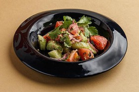 Овощной салат по-грузински с орехами - Фото