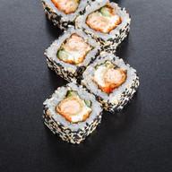 Ролл с жареным лососем Фото
