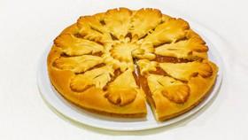 Пирог с джемом сдобный - Фото