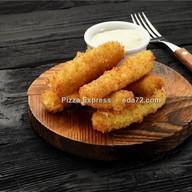 Сырные палочки в хрустящей панировке Фото