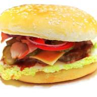 Гамбургер макси с беконом Фото