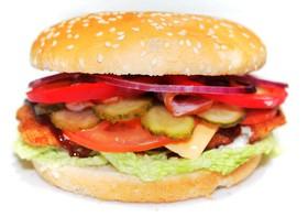 Чикенбургер макси барбекю с беконом - Фото