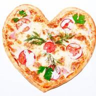 Сердце пицца Фото