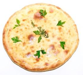 Осетинский пирог ветчина, сыр и грибы - Фото