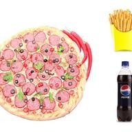 1 пицца + напиток + картошка фри Фото