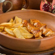 Куриное филе на шпажке с картофелем Фото