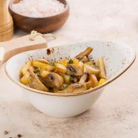 Жареный картофель с грибами - Фото