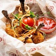 Куриные крылья с соусом барбекю Фото
