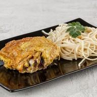 Бедро куриное жареное,спагетти (суббота) Фото