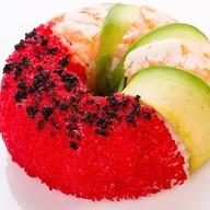 Суши-пончик со снежным крабом Фото