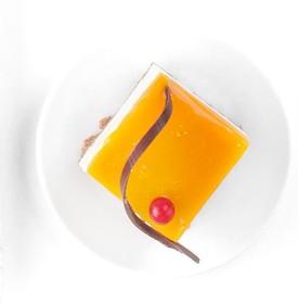 Манго-маракуйя с сырным кремом пирожное - Фото