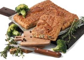 Пирог с семгой и брокколи - Фото