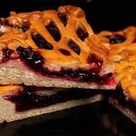 Пирог смородиновый на дрожжевом тесте Фото