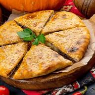 Грузинский пирог Кубдари Фото