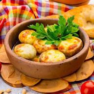 Жареные грибы по сыром сулугуни Фото