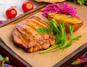 Свинина барбекю с запеченным картофелем - Фото