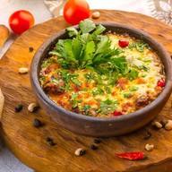 Аджапсандал горячий с сыром на кеци Фото