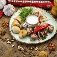 Ассорти грибное по-грузински Фото