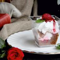 Малина десерт Фото