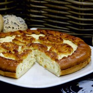 Пирог с творогом, курагой и грушей Фото