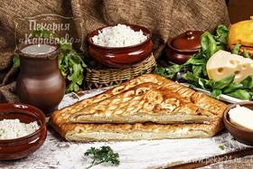Пирог слоеный с творогом и сыром - Фото