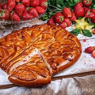Пирог Клубника со сливками Фото