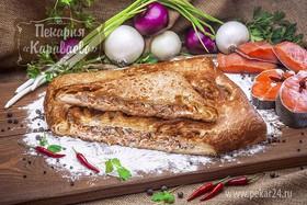 Пирог слоеный с семгой и горбушей - Фото