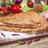 Пирог слоеный с курицей и ананасом Фото
