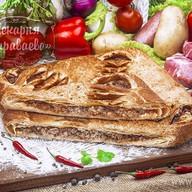 Пирог слоеный с мясом и овощами Фото