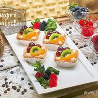 Пирожное Корзинка с фруктами Фото