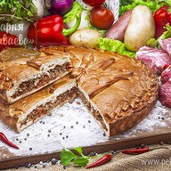 Пирог с мясом и овощами Фото
