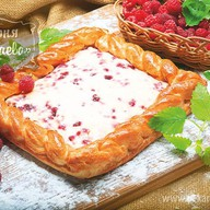 Пирог слоеный Малиновое безумие Фото