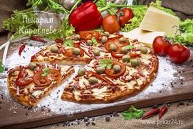 Пицца с колбасой - Фото