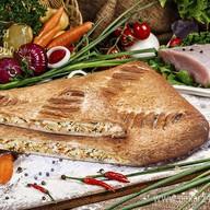 Пирог слоеный с индейкой и овощами Фото