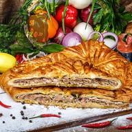 Пирог слоеный с горбушей Фото