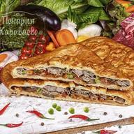 Пирог слоеный с говядиной и овощами Фото