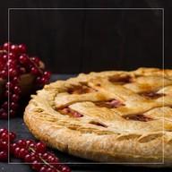 Пирог с красной смородиной и творогом Фото