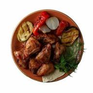 Шашлык куриное бедро + овощи гриль Фото