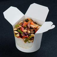 Морепродукты в соусе пад-тай Фото
